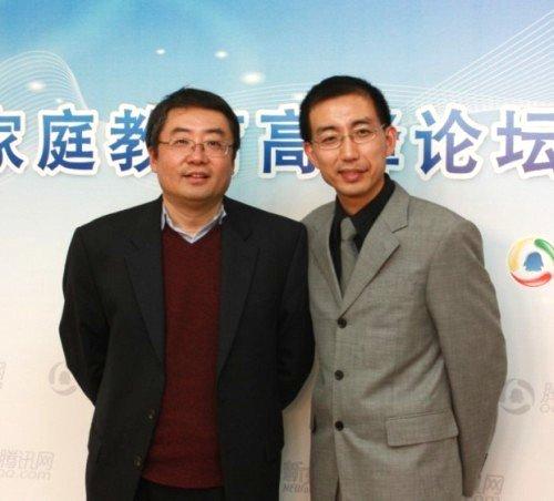 腾讯教育观察员宋少卫老师(右)专访新东方王强老师