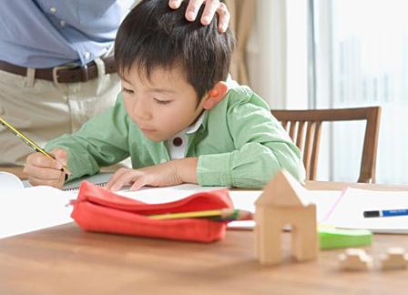 告诉孩子学习肯定是辛苦的 教给孩子付出与责任