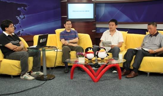 6月9日16:00-16:50,精华学校理综名师杜庆才(物理)、刘延阁(化学)、马培梅(生物)通过腾讯视频直播和腾讯微博平台,就2011年高考理综的考卷进行了解读和点评。