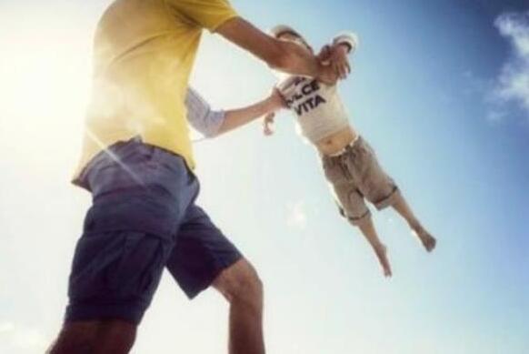 68.9%人认为父教缺失孩子难培养勇敢坚定品质