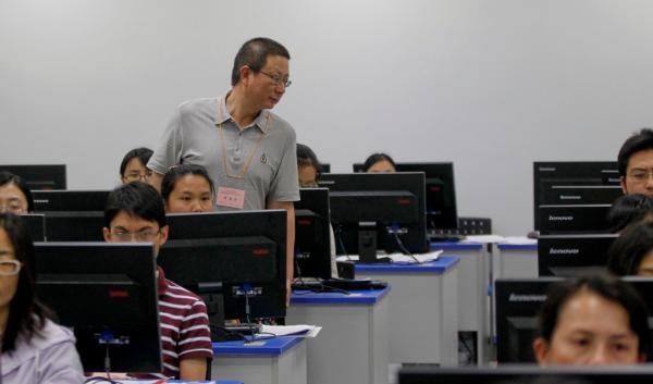 上海高考语文阅卷组组长:从没见过0分作文