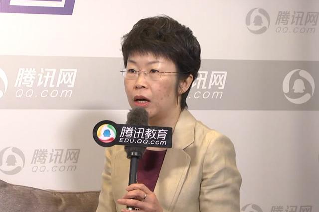 北京外国语大学国际课程中心曹文:真诚坚守自己的信仰