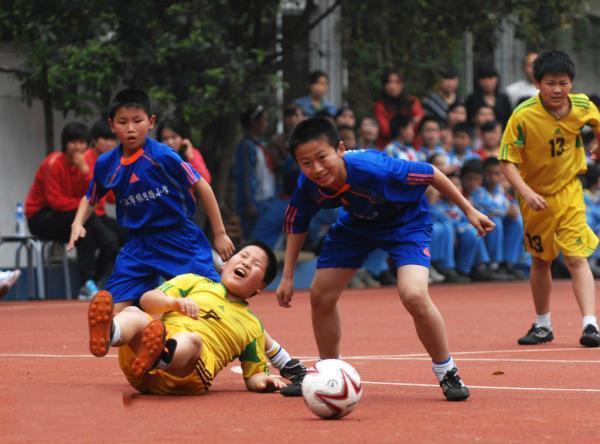 教育部:全国布局2万所足球学校并非大跃进