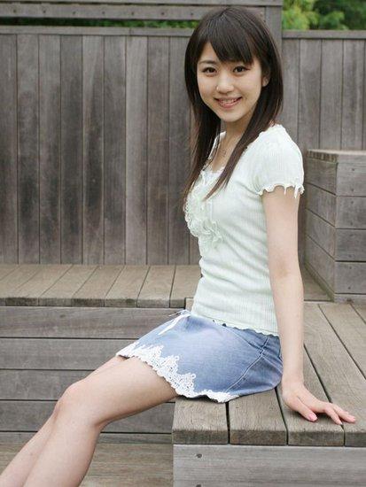 日本少女紧身内衣少女紧身衣少女紧身内衣穿紧身内衣 竖