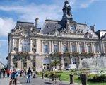 开学季法国大学人满为患 学生站着听课