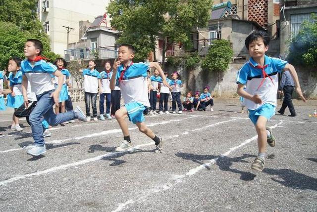 仅17%小学生经常运动 人大代表呼吁问责校长