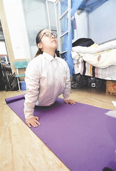 北川地震双腿截肢女孩将考飞行学校 被赞励志