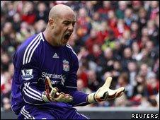Liverpool goalkeeper Pepe Reina shouting