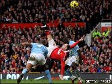 Wayne Rooney scoring a goal against Manchester City