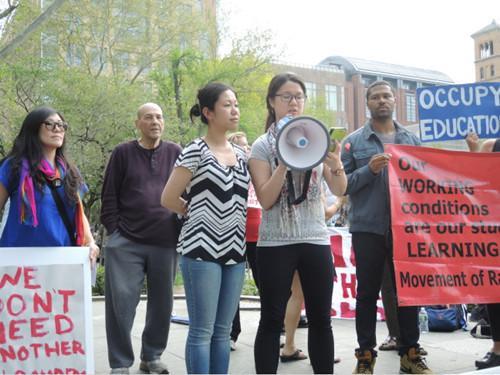 """纽约州移民学生抨击州考难:""""题目都看不懂"""""""