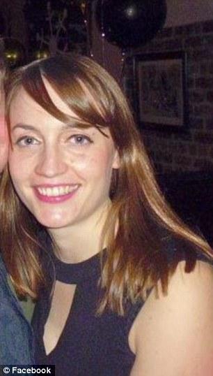 英国31岁女教师压力过大自杀身亡 学校遭谴责