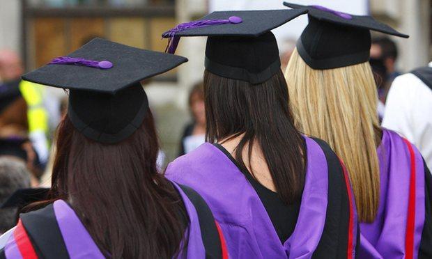 近1/4英国毕业生获一等学士学位 创历史新高