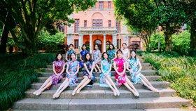 浙大啦啦操队演绎最美毕业照?#33322;?#20026;美女学霸,平均身高1米7