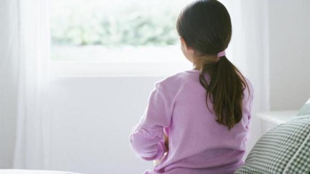 英国儿童自残自杀案例增多 学校资金压力大难疏导