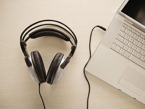 攻克托福听力弱点:持之以恒的跟读定能破解