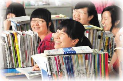 2012年高考近900万学子走进考场(图)
