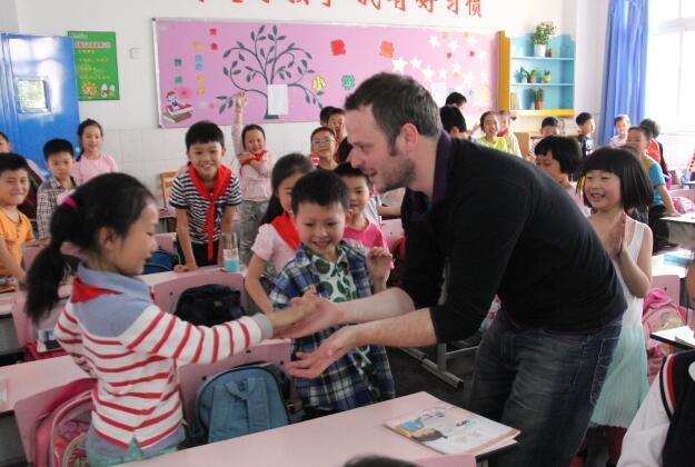 中国打击水平低劣的英语教师 低水平外教不好混