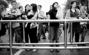 """上海高考作文陷""""重题门"""" 考试院连夜调查"""
