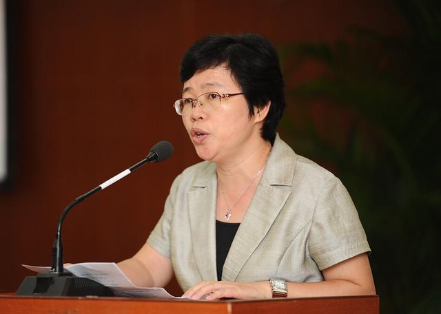 广雅中学校长叶丽琳关注民办教育