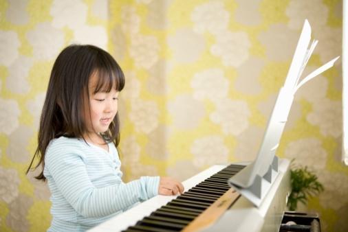 孩子学钢琴 考级弊大于利图片