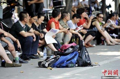 全国912万考生今日高考 数千随迁子女异地应试