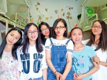 四川一大学同寝室6美女考研全上线 5人被录取