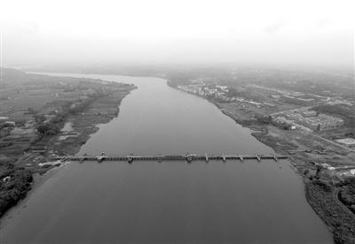 """桥快完工 成都最繁忙公益性渡口即将""""退休"""""""