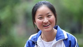 汶川震后十年 即将高考的她说想学传媒