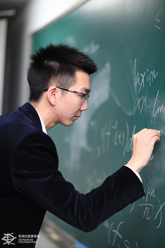 被哈佛录取男生:学数学需热情 学习之余多玩
