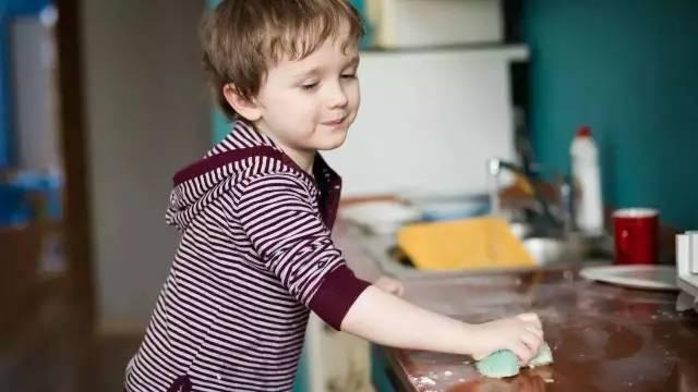哈佛惊人发现:孩子做不做家务对以后人生影响庞大!