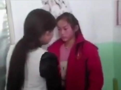 山西一女生遭同学要钱并殴打,两分钟被扇40个耳光