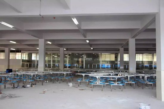 现场直击:清外新校区28日能否准时开学?
