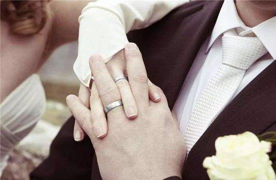 我们的爱情之舟,因为婚房而搁浅