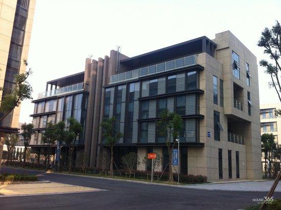 一线城市写字楼空置率提升 龙头房企喜独栋办公楼