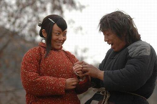 黄渤闫妮电影斗牛
