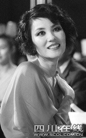 """王菲献唱《孔子》 复出首步""""搭桥者""""是周润发"""