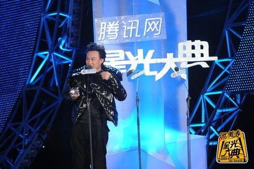 秉承专业港台电影女演员空缺 陈奕迅再下一城