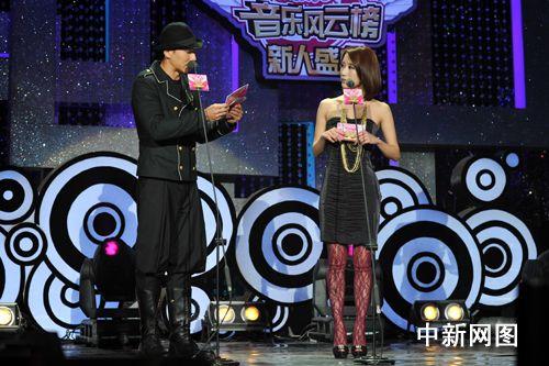 周杰伦遭好友刘畊宏催婚:侯佩岑已经结婚了