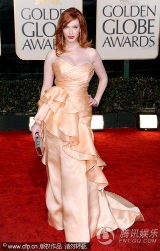 第67届金球奖红毯 克里斯蒂娜肉粉色长裙吸睛