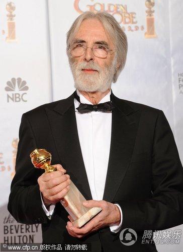 《白丝带》获最佳外语片奖 迈克尔·哈内克领奖