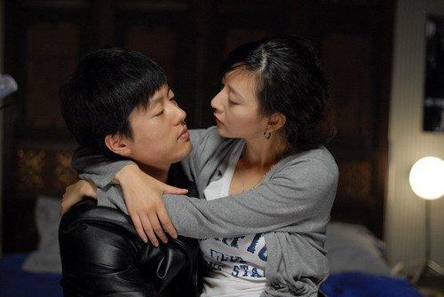 《郎心如铁》曝情感戏 唐一菲凌潇肃吻足十分钟