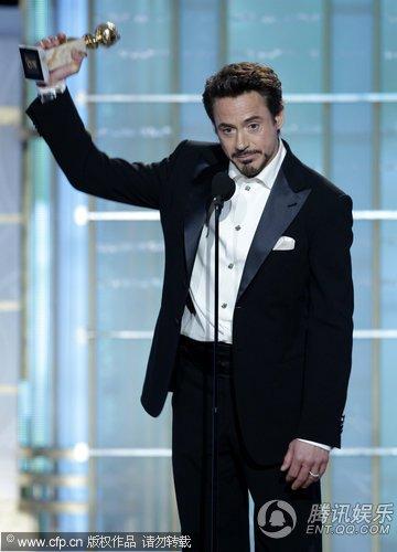 小罗伯特·唐尼上台领取大奖 得奖感言笑果颇佳