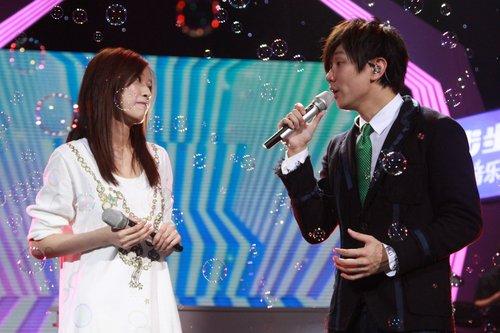 林俊杰《节节高声》与小师妹眉目传情
