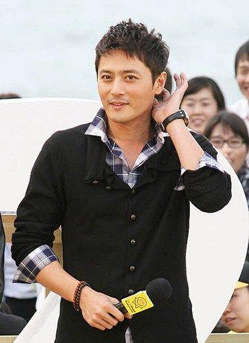 张东健3月粉丝见面会 众人关注结婚传闻真假