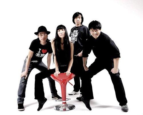 布衣乐队作品被日本天王级乐队翻唱 年初四发片
