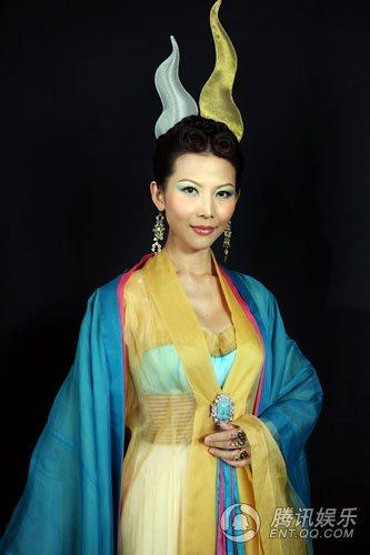 《越光宝盒》角色介绍:蔡少芬饰铁扇公主