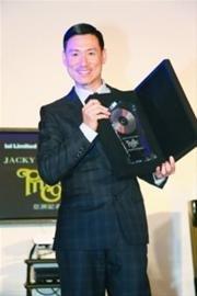 张学友推全新粤语大碟《私人角落》 首创玻璃CD