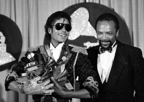 天王迈克尔·杰克逊获第52届格莱美终身成就奖