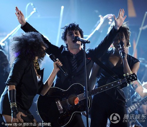 Green Day获最佳摇滚专辑奖 成功迈向主流行列