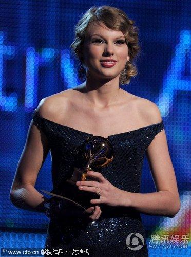 "Taylor Swift大放异彩 ""邻家女孩""前途无量"